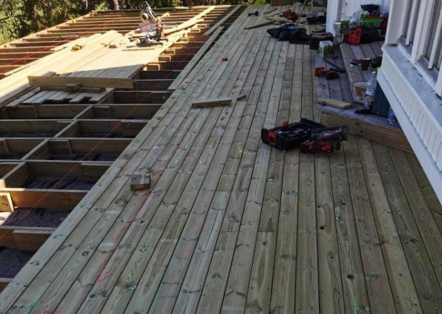 Medinės terasos įrengimas